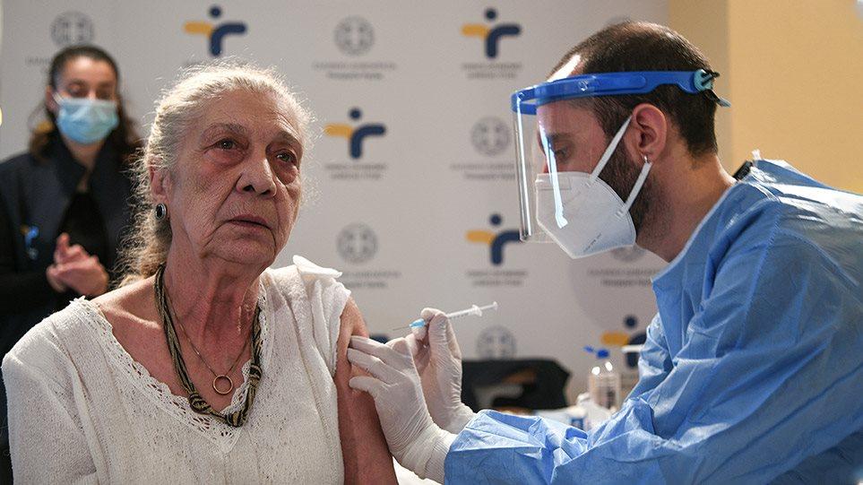 Πολύ πίσω από την Ευρώπη είναι η Ελλάδα στους εμβολιασμούς (πίνακες)
