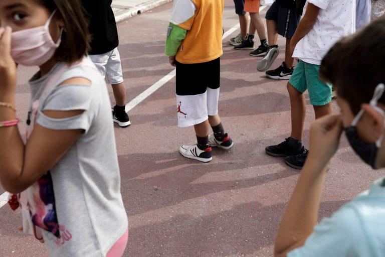 Το μεγάλο στοίχημα να μείνουν ανοιχτά σχολεία – Οι δύο ημερομηνίες «σταθμός»
