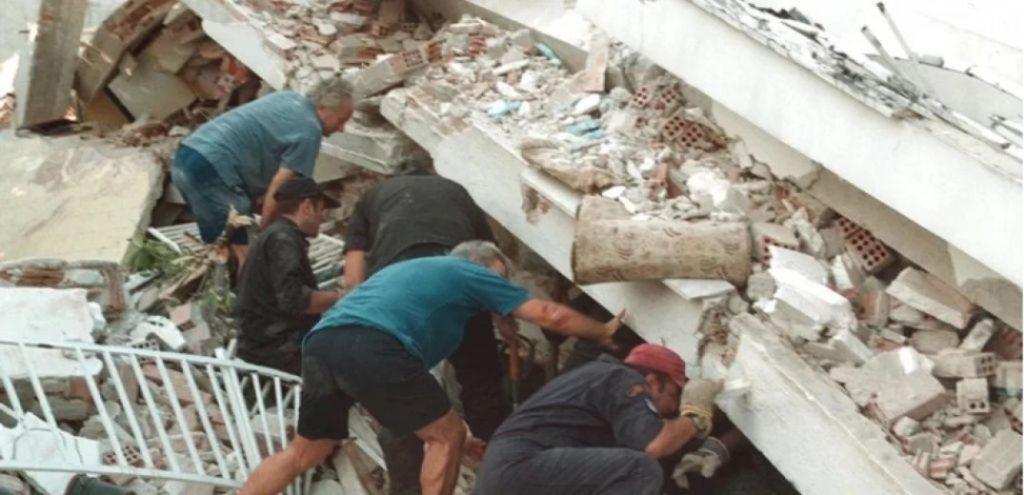 Ο καταστροφικός σεισμός στην Κρήτη ξυπνά μνήμες από τα φονικά χτυπήματα του Εγκέλαδου που συγκλόνισαν την ελληνική κοινωνία